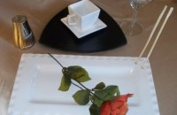 SUSHI PLATE & BLACK TRIANGLE PLATE